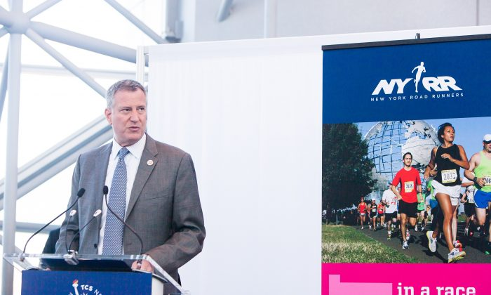 New York City Mayor Bill de Blasio at New York City Marathon opening press conference in Jacob K. Javits Convention Center, New York, on Oct. 30, 2014. (Petr Svab/Epoch Times)
