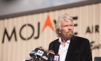 Richard Branson Vows to Find Out Cause of Spacecraft Crash