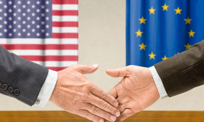 The TTIP agreement between the EU and USA is under negotiation. For Italian food, there are both opportunities and risks. (Shutterstock*)
