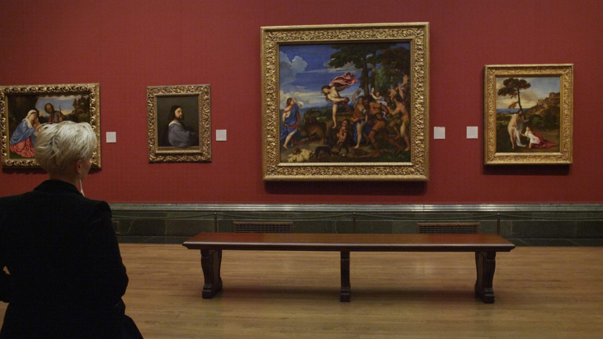 the different interesting photographs inside the national art gallery