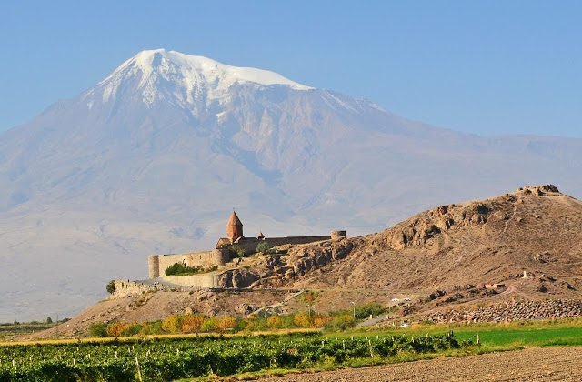 Armenia (Tomasz Lisowski, Adventurous Travels)