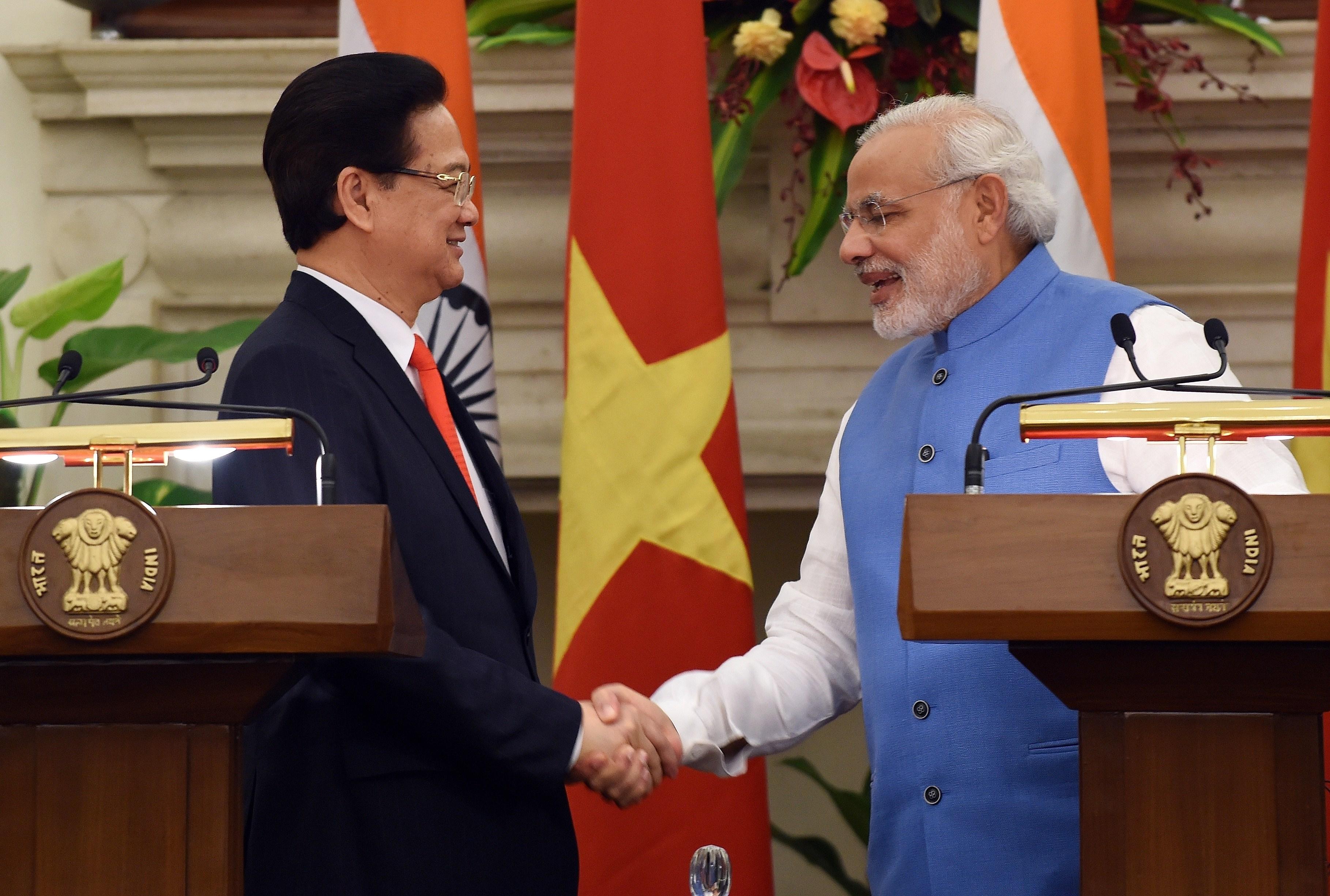 In Break From China, Sri Lanka Leans Towards India