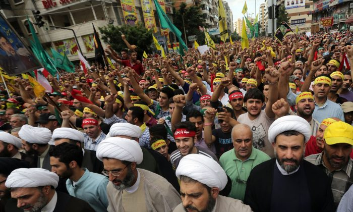 blanford muslim Nicholas blanford's new book , warriors of god: inside hezbollah's thirty-year struggle against israel takes an exclusive look at the group - based on over ten years of reporting in lebanon and what he says is unprecedented access to hezbollah's leaders, commanders, and fighters a resident.