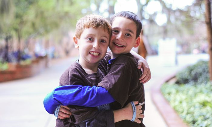 Jonah Pournazarian (L) and Dylan Siegel (R) in an undated family photo. (Courtesy David Siegel)