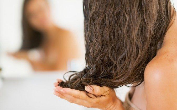 Coconut Oil – the Perfect Hair Treatment