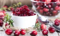 How to Make Healthy Cranberry Sauce