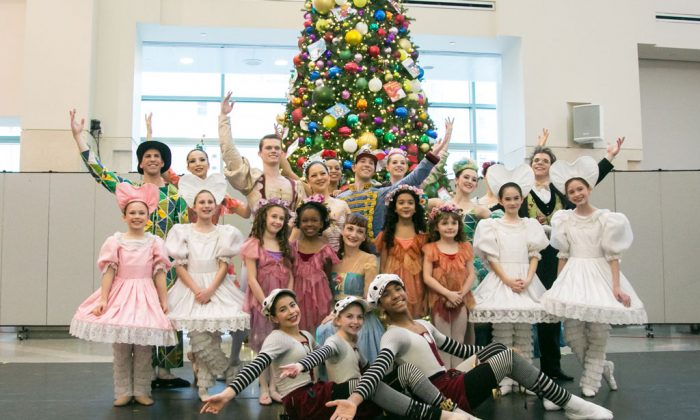 """Dancers of the New York Theatre Ballet performed """"The Nutcracker"""" at the New York-Presbyterian Morgan Stanley Children's Hospital on Monday, Dec. 22, 2014. For the last eight years, NYTB has performed a one-hour holiday ballet for the pediatric patients. (Benjamin Chasteen/Epoch Times)"""