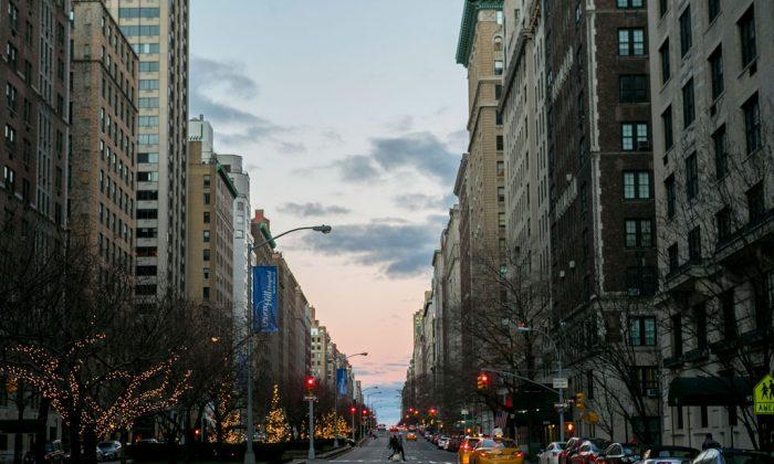 Park Avenue on the Upper East Side in Manhattan, N.Y., on Dec. 25, 2014. (Samira Bouaou/Epoch Times)