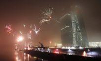 Struggling EU Hopes 2015 Bring Better Fortunes