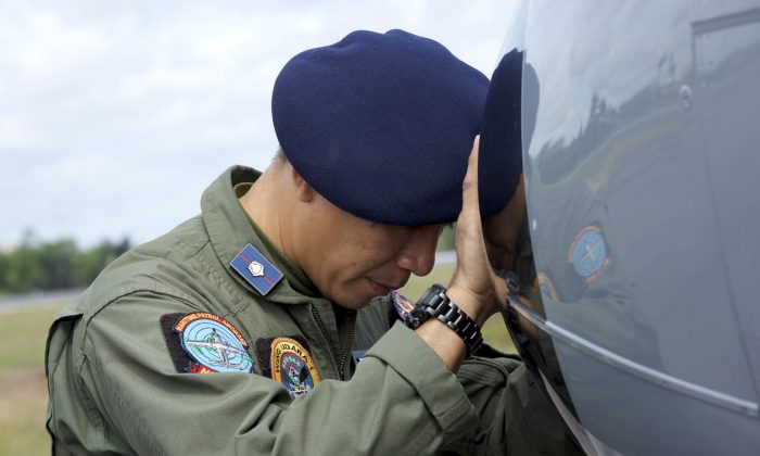 Debris Sighted During Search Operation For Missing AirAsia Plane (Ed Wray / Stringer)