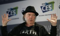 Neil Young continues revolutionary streak with 'Earth' album