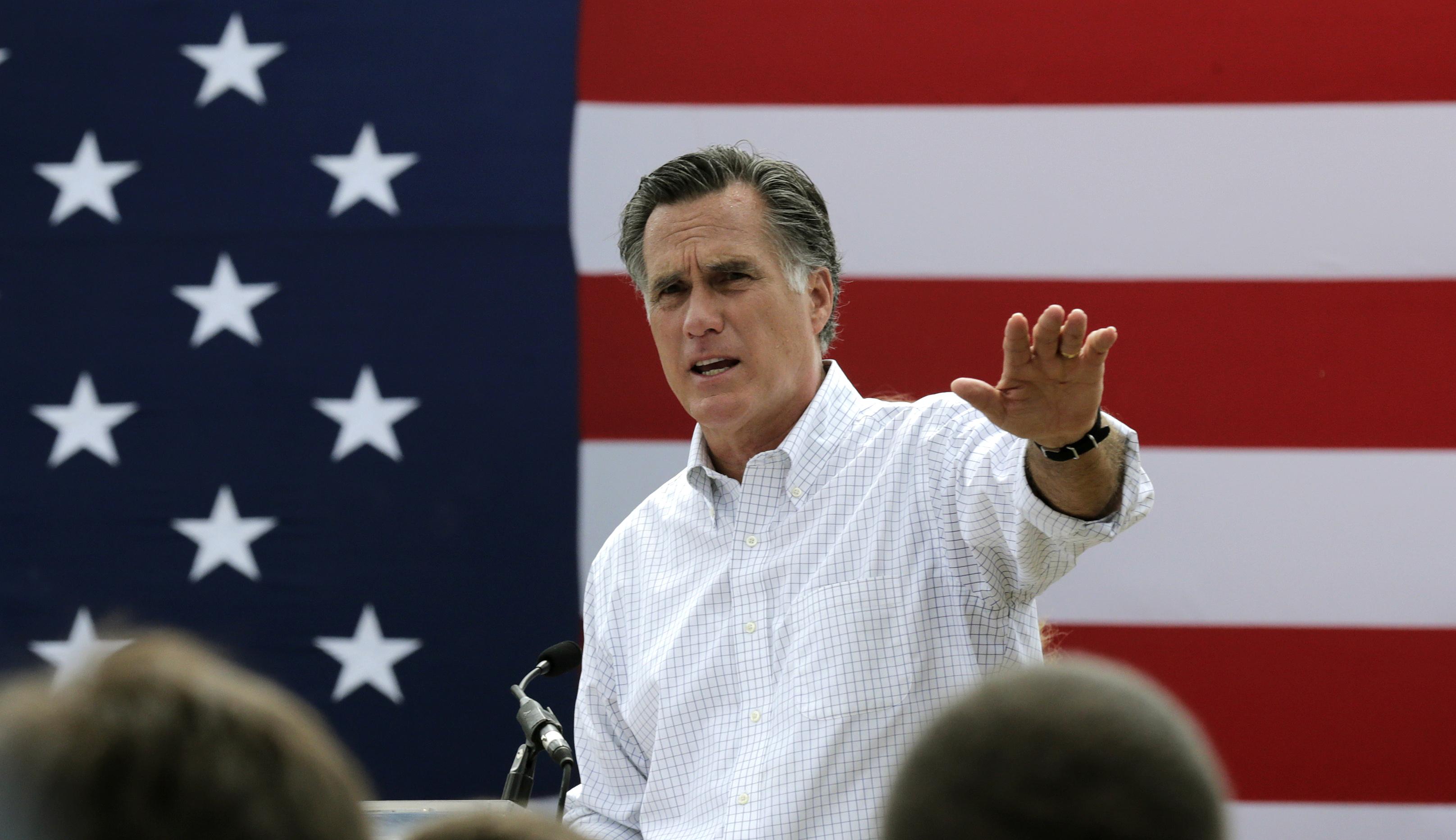 Walker, Paul Leads in Iowa Poll