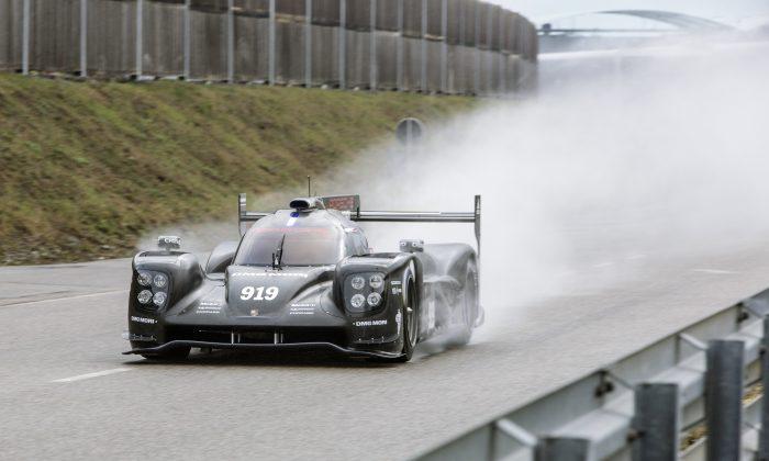 Porsche's second-generation 919 LMP1-H hits the Weissach test track for its roll-out, Jan. 15, 2015. (presse.porsche.de)