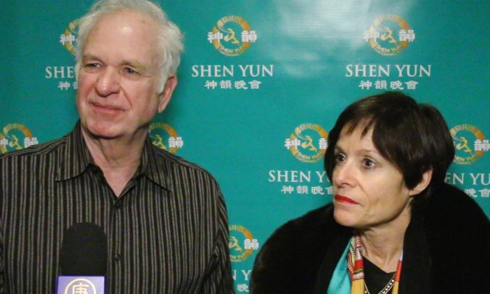 Christopher Anderson and  Jean Easter share their Shen Yun experience at Indianapolis' Clowes Memorial Hall of Butler University, on Jan. 16, 2015. (Courtesy of NTD Television)