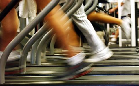 People run on treadmills at a New York Sports Club (Spencer Platt/Getty Images)
