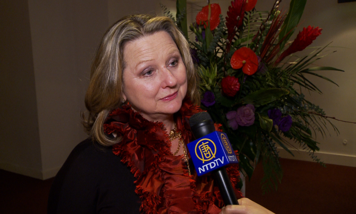 Award-winning TV creator Theresa Kowall-Shipp shared her enthusiasm for Shen Yun Performing Arts after seeing the performance on Jan. 22, 2015, at the Sony Centre in Toronto. (NTD Television)