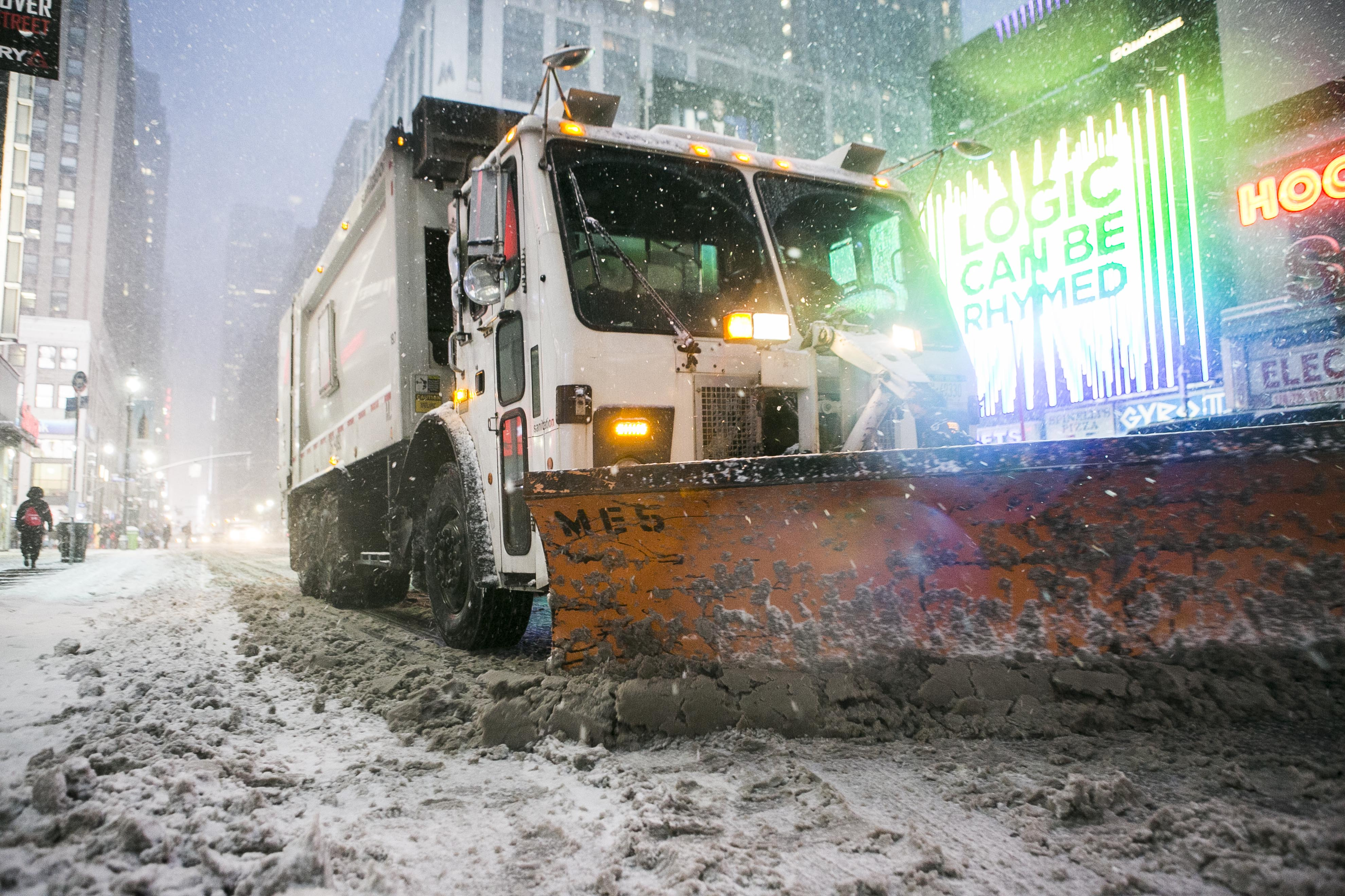 Experts Defend Snowstorm Forecast, Say Blizzard Prediction a Tough Science