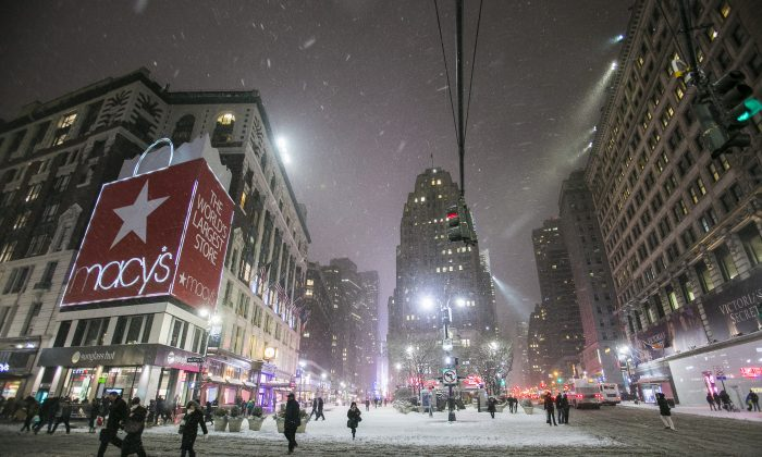 Herald Square in Midtown Manhattan, during Winter Storm Juno on Jan. 26, 2015. The metropolitan area of New York City was spared the worst of the storm, said mayor Bill de Blasio. (Samira Bouaou/Epoch Times)