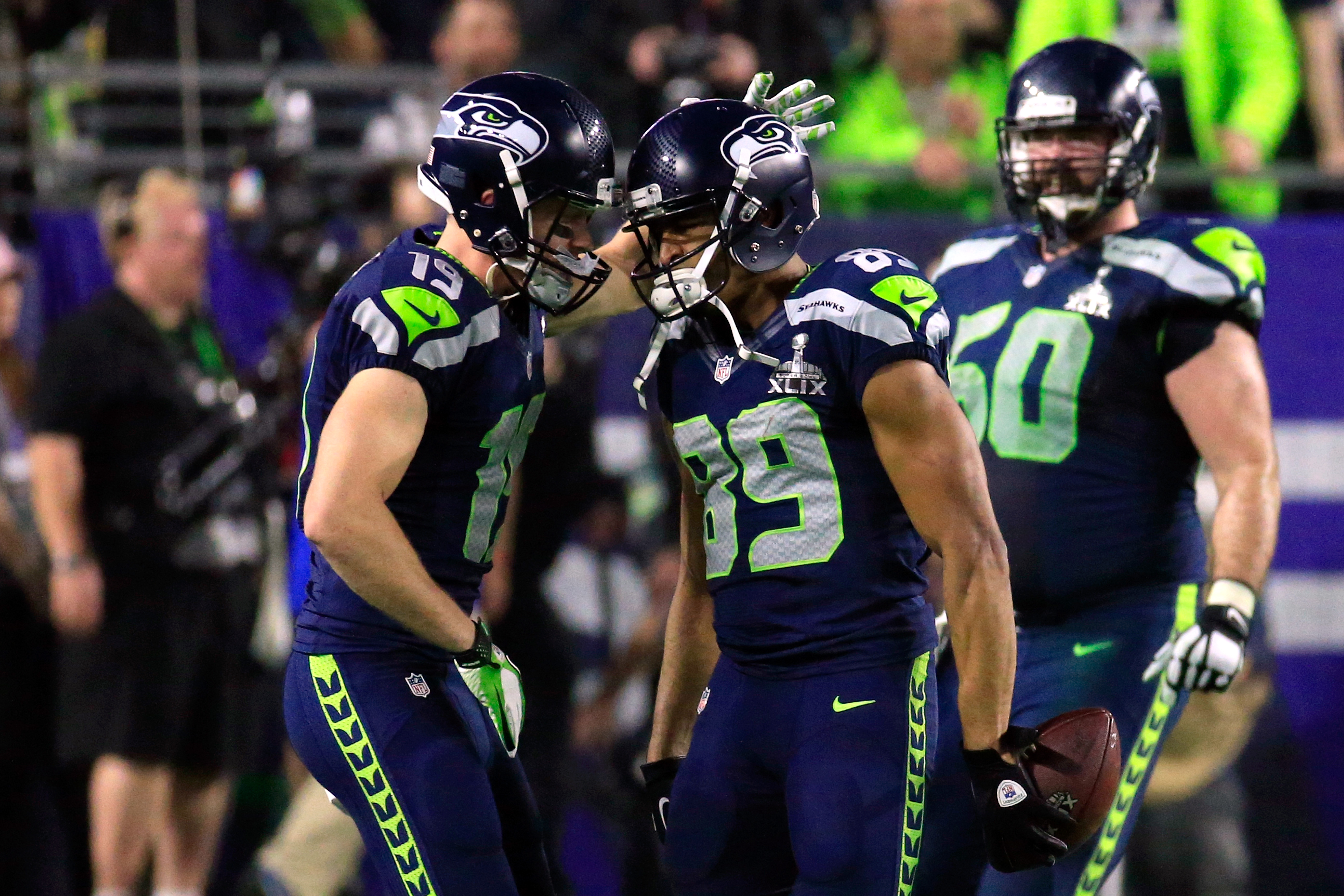 Seattle Seahawks and Miami Dolphins Athletes Differ In Political Stance