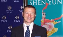 Member of Parliament Finds Shen Yun 'Quite Exquisite' (Video)