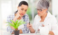 3 Ways to Help Aging Parents With Their Finances