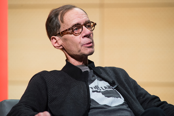New York Times Columnist David Carr attends the TimesTalks at The New School on February 12, 2015 in New York City.  (Photo by Mark Sagliocco/Getty Images)