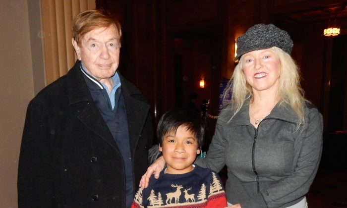 Don and Rosemary Gravlin with their son, Dillon, enjoy Shen Yun Performing Arts at the Peabody Opera House, Feb. 20, 2015. (Stacy Chen/Epoch Times)