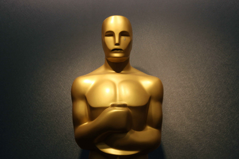 5 Reasons Why Leonardo DiCaprio Should Win an Oscar in 2016