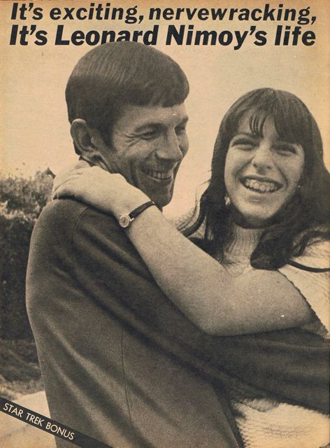 Leonard nimoy and his daughter Julie in a file photo. (leonardnimoy.de)