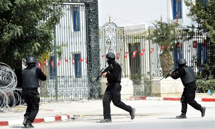 Tunisian security forces secure the area after gunmen attacked Tunis' famed Bardo Museum on March 18, 2015. (Fethi Belaid/AFP/Getty Images)