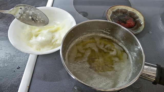 Making Ghee (Larry Jacobsen/Flickr/CC BY 2.0)