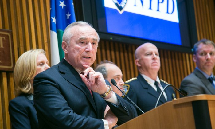 Police Commissioner Bill Bratton at NYPD headquarters on Dec. 18, 2014, at a press conference about an arrest of a few gang members on guns and drug charges. (Benjamin Chasteen/Epoch Times)