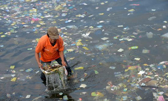 European Lawmakers Vote for Ban on Throwaway Plastics