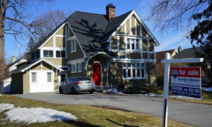 A two-storey home is for sale in Ottawa on April 7, 2015. (Pam McLennan/Epoch Times)