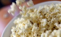3 Ways to Keep Popcorn Healthy