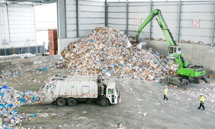 The Sims Municipal Recycling plant in Brooklyn, New York City, on Jan. 14, 2015. (Benjamin Chasteen/Epoch Times)