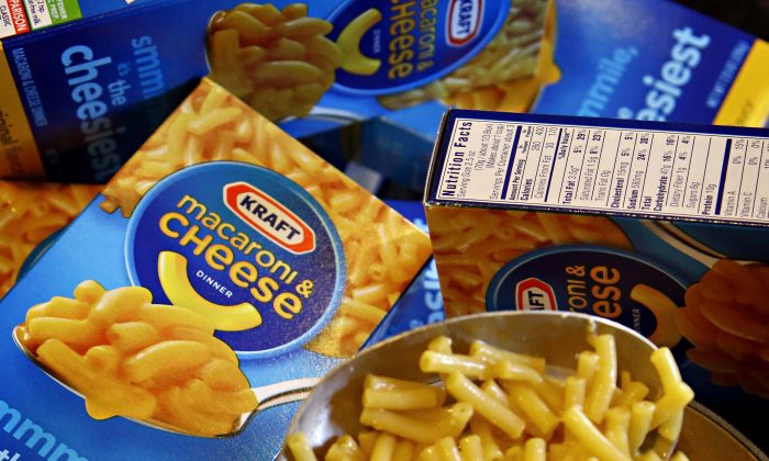 Kraft Macaroni & Cheese is being prepared at a home in Chandler, Ariz.,  on Feb. 10, 2011. (AP Photo/Matt York)