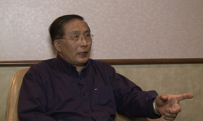 Han Guangsheng, a Toronto resident who defected to Canada from China in 2001, says the large numbers of people cutting their ties with the Chinese Communist Party symbolizes hope for a better future for China. (NTD Television)