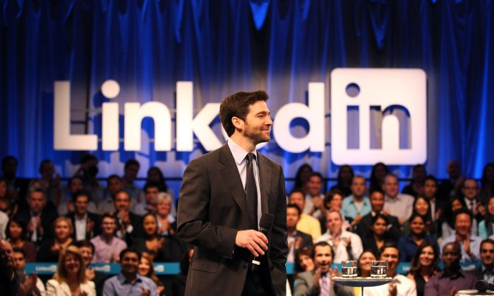 LinkedIn CEO Jeff Weiner speaks to the audience at the Computer History Museum in Mountain View, Calif., on Sept. 26, 2011. (Stephen Lam/Getty Images)