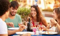 The Consummate Traveler – What to Consider Before Vacationing with Friends