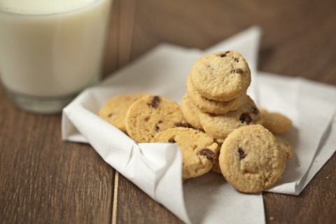Your cookies don't have to be dietary abominations to completely satisfy your sweet tooth. (Shutterstock)