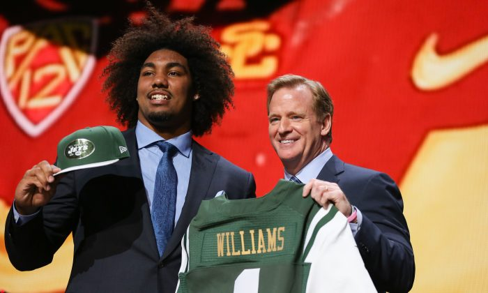 The New York Jets are hoping Leonard Williams (L), formerly of the USC Trojans, can help an already good defense to become the best in the NFL. (Jonathan Daniel/Getty Images)
