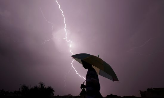 3 Students Hit by Lightning Strike in Chicago