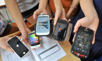 How Smart Is It to Allow Students to Use Mobile Phones at School?