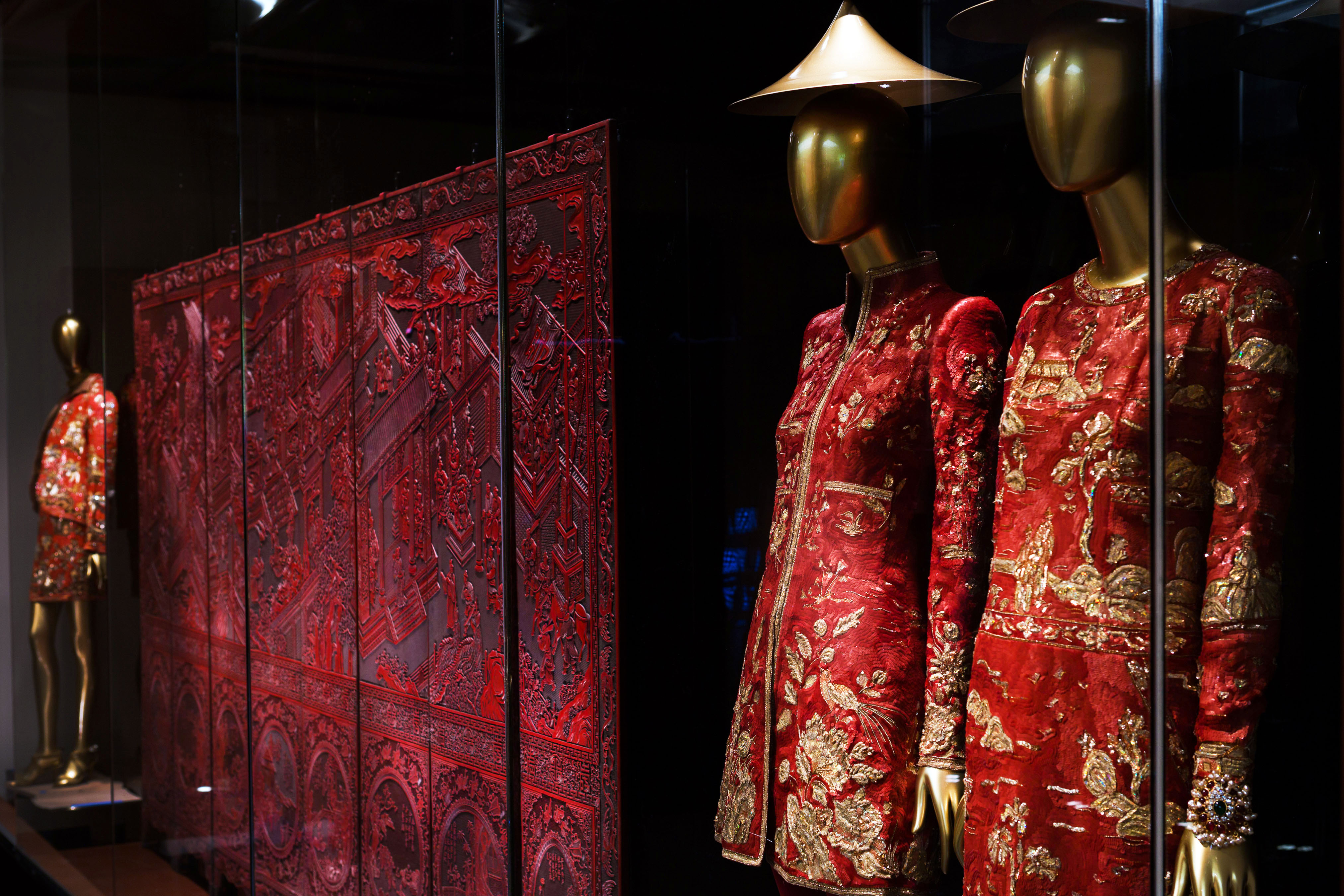 The Met's Chinese Fashion Exhibit Neglects 94 Percent of Chinese Fashion