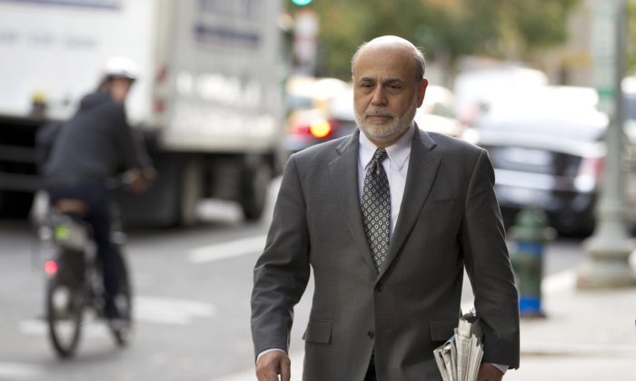 Former Federal Reserve Chairman Ben Bernanke arrives at the U.S. Court of Federal Claims in Washington on Oct. 9, 2014. ( AP Photo/Jose Luis Magana)