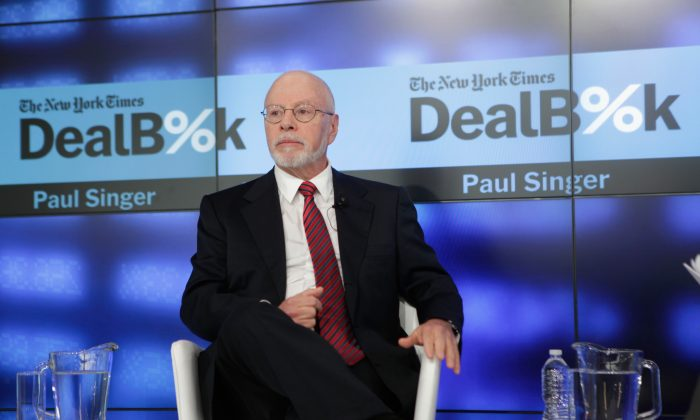 Paul Singer speaks onstage during The New York Times DealBook Conference at One World Trade Center on Dec. 11, 2014 in New York City. (Thos Robinson/Getty Images for New York Times)