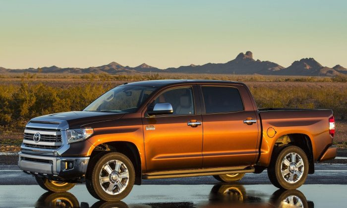 2015 toyota tundra sr5 4 4 crewmax the epoch times. Black Bedroom Furniture Sets. Home Design Ideas
