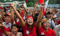 Suu Kyi's Party Heads for Sweep in Burma's Historic Vote