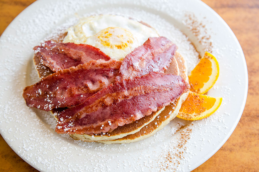 We got the Lumberjack with over-easy eggs and turkey bacon. (Samira Bouaou/Epoch Times)